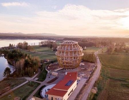 Un immense défi d'ingénierie pour une sphère en bois