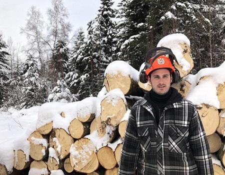 La détermination d'un jeune propriétaire forestier